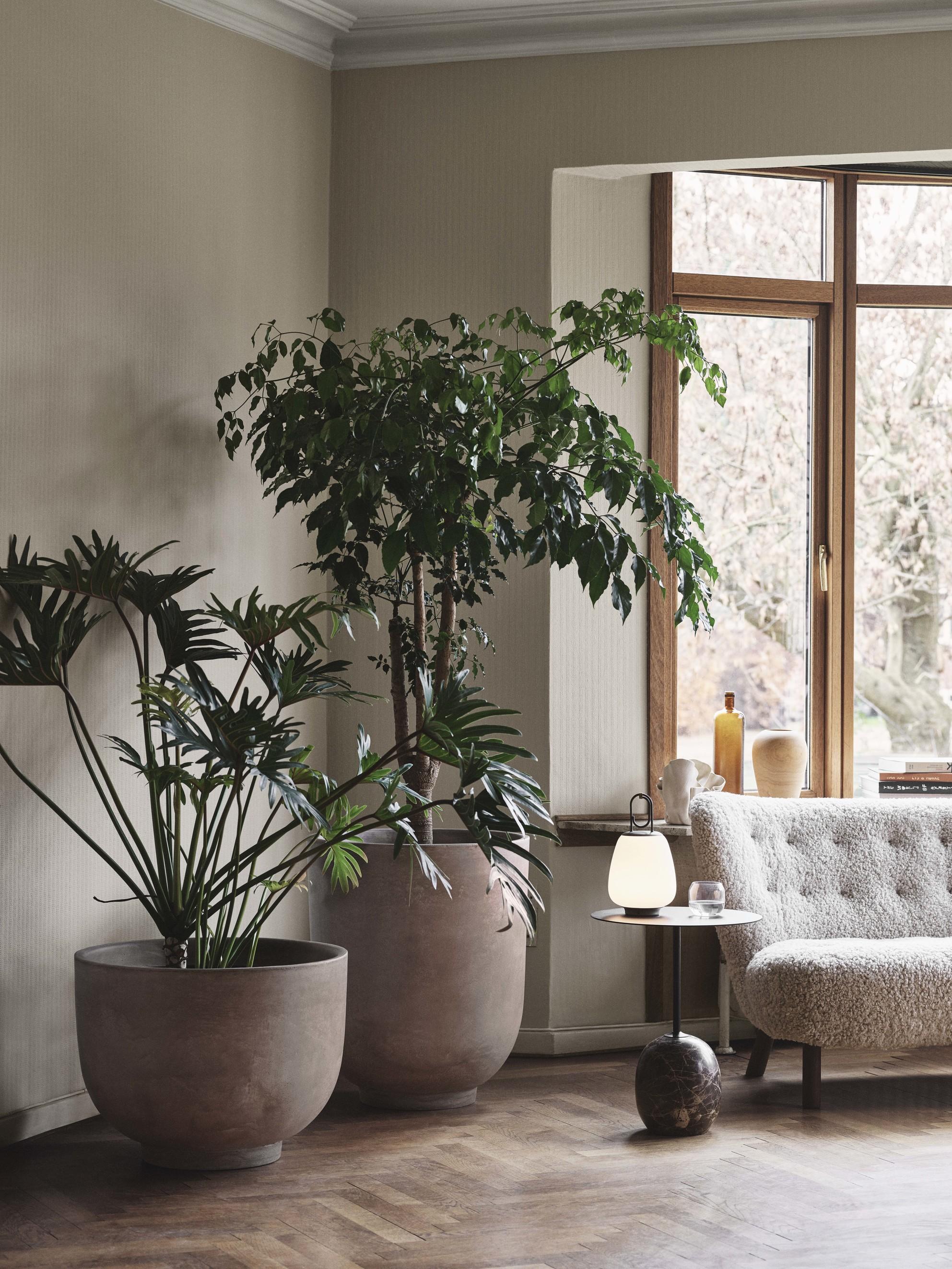 &Tradition Collect Planter SC43 Silver Grey H: 45 cm