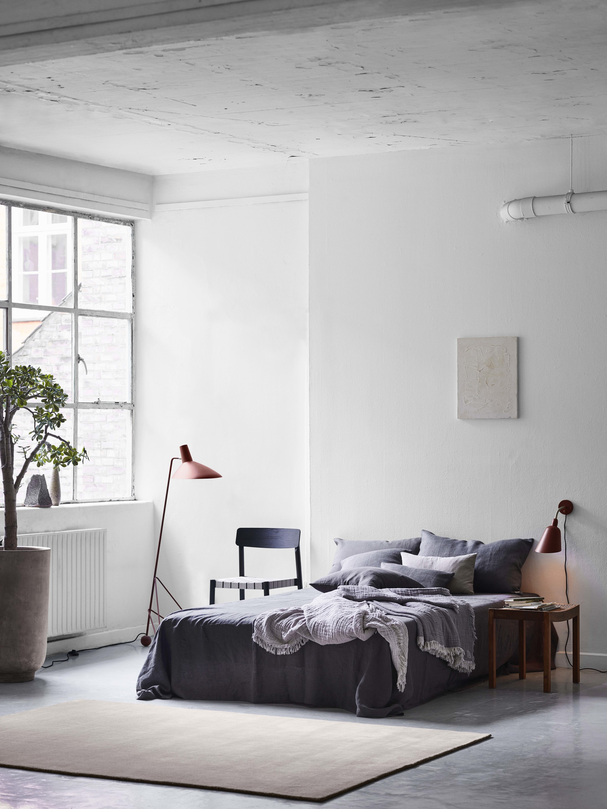 &Tradition Collect Cushion SC28 Cloud & Burgundy Linen Indigo